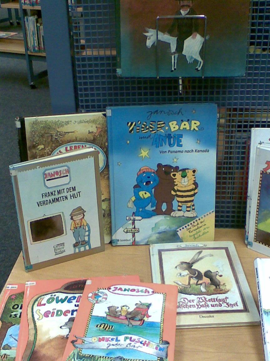 Büchertisch Janosch in der Kinderbücherei Kamp-Lintfort